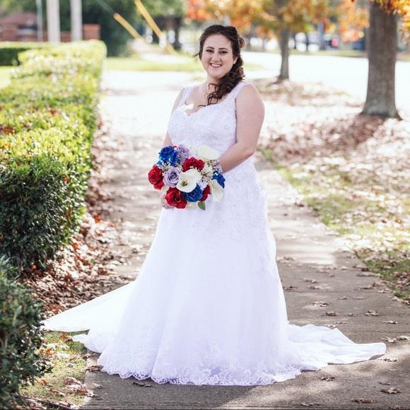 David's Bridal Beaded Plus Size Wedding Dress